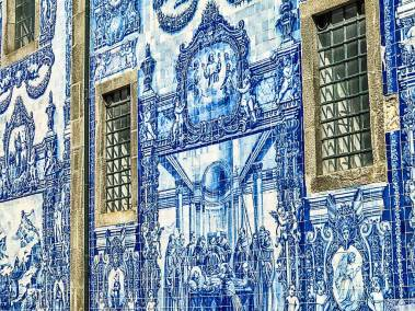 Detail of the Chapel of the Souls azulejos.