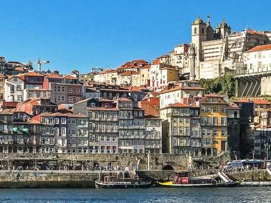 Porto-Ribeira waterfront.