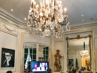 Paris YSL-Salon.