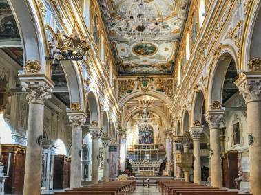 The nave of the Santa Maria della Bruna Basilica.