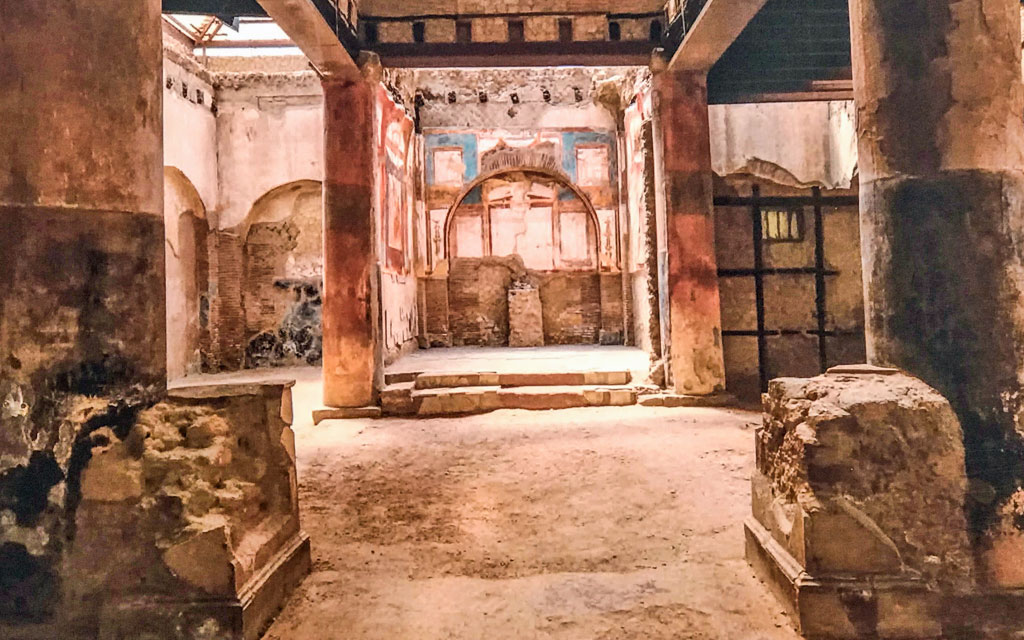 A Time Capsule of Ancient Roman Life – Herculaneum