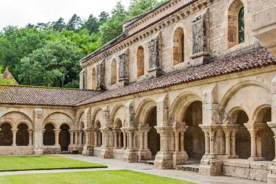 Abbey of Fontenay -t he cloister (2).)