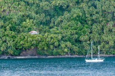 Marquesas-Fatu Hiva Bbungalow.