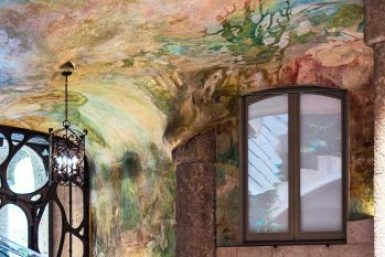 Gaudi-Pedrera atrium frescoes