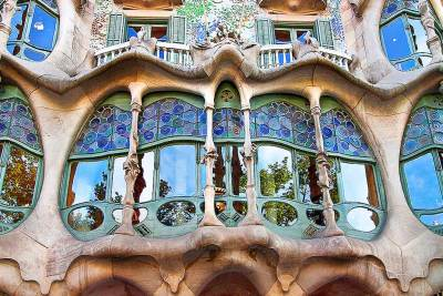 "The stained glass picture windows on the ""noble floor"" of Casa Batllò evoke  drops of water."