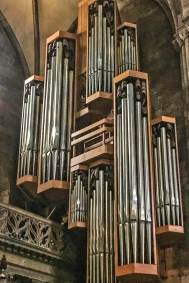 The Marienorgel, (circa 1965) and fully renovated in 2001 is the main organ of the Minster.