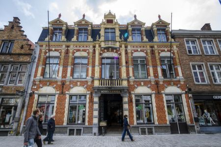 20160430 - 111037 - _MG_0898 - Brugge, dag 2 - Canon7D - +0 stop_+2 stop_-2 stopEnhancer01