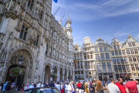 20160827 - 132548 -  MG 3287 - Brussel (B) - Canon EOS 7D - +0 Stop +2 Stop -2 StopEnhancer01