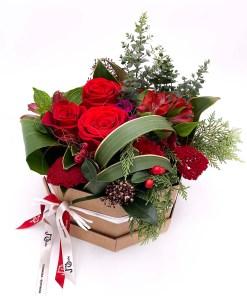 Ramo de flores variadas rojas