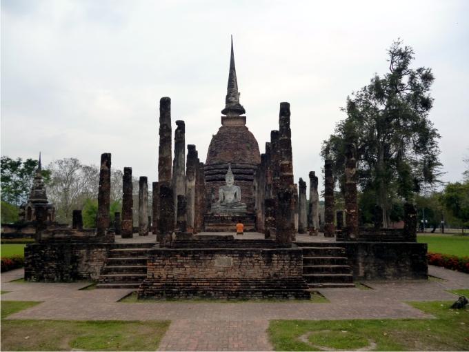 Ruinas de Wat Mahathat, el templo real de Sukhothai. Foto: Ernesto Filardi.