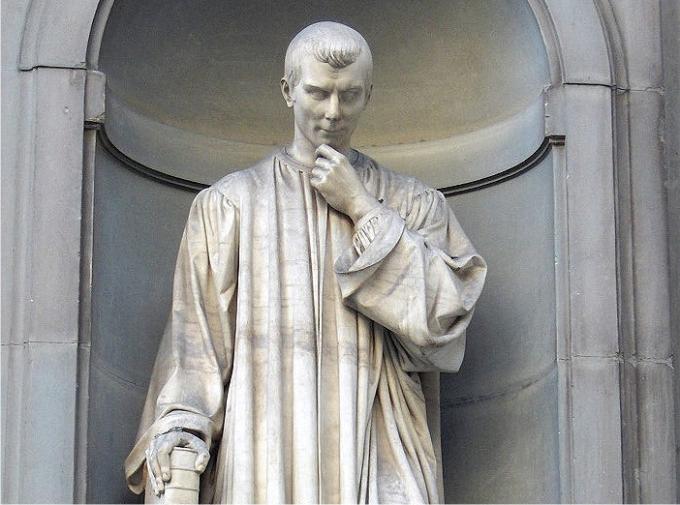 Estatua de Maquiavelo, por Lorenzo Bartolini. Foto Jebulon (CC)