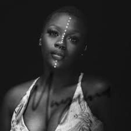 AMANDA BLACK – LONELY, JotNaija
