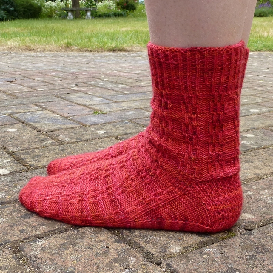 Jo Torr Stand the Test of Time, toe-up textured sock