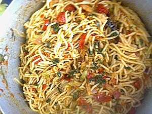 Well stirred spaghetti with ingredients
