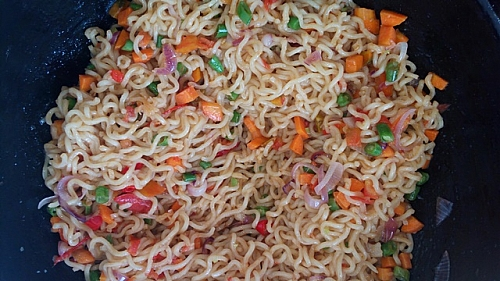 Stir fry the noodle until it is fluffy and seperates from each other.