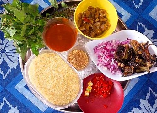 Palm oil jollof rice (native rice) ingredients