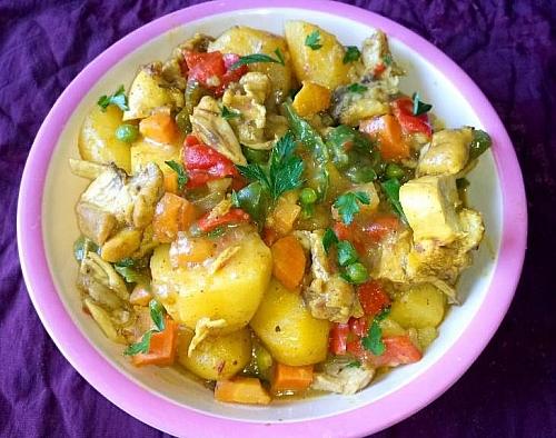 Photo of How to Make Chicken and Curried Potato Porridge (Potato Curry)