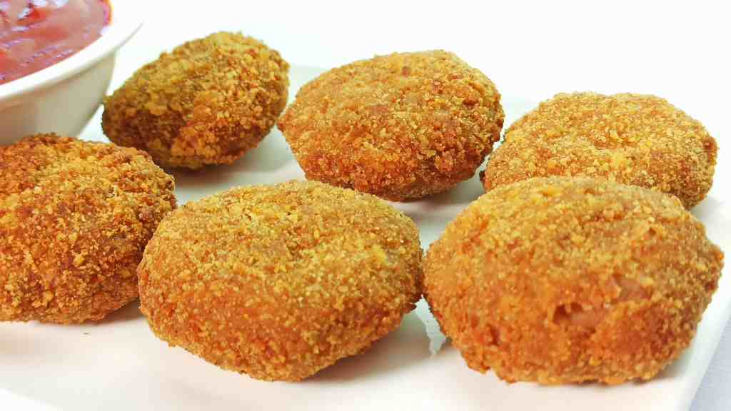 Easy Homemade Chicken Nuggets Recipe