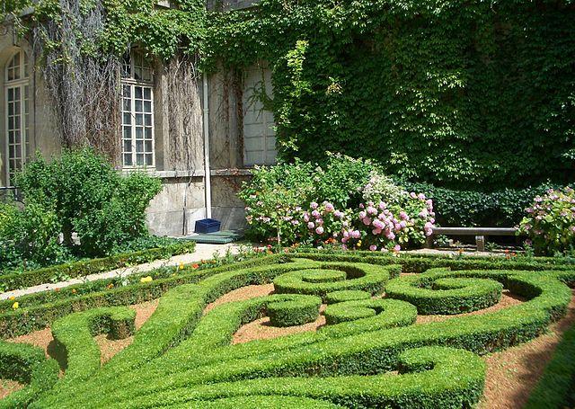Jardin à la française à Paris