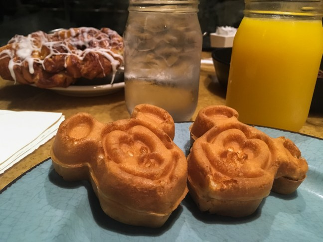 Disney_World_mickey waffles