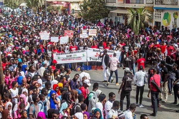 Marche des étudiants de Saint-Louis/crise universitaire