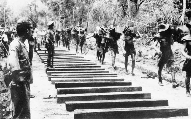 POW's making the Thai-Burma Railway