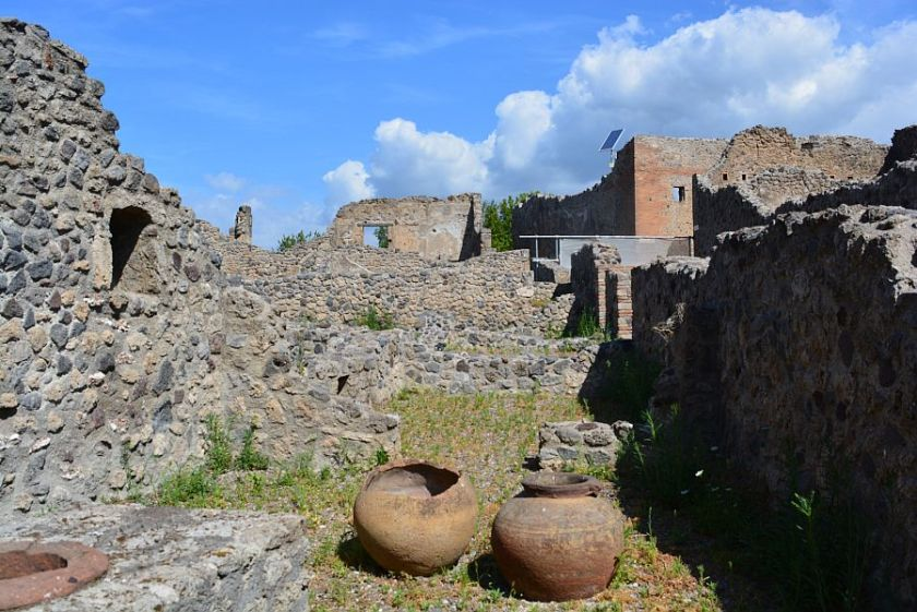 roman architecture in italy