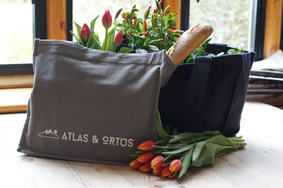 Reusable bags can help reduce waste in the kitchen.
