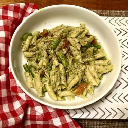 Creating Highly Nutritious Meals avocado and kale pasta