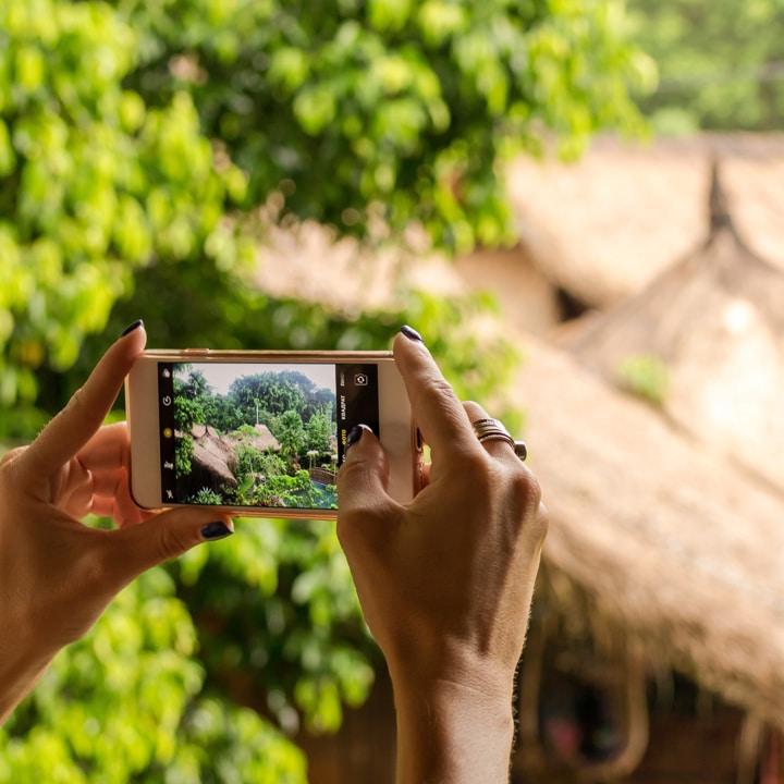 travel photographer scam