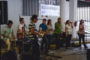 Grupo de Alabanza de Jóvenes de Brisas