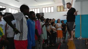 Un grup d'alumnes participa al Temporada Alta amb una obra pròpia, dirigida per Oriol Broggi, aquest dissabte a Salt