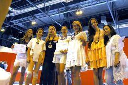 Desfile Luz Adriana Núñez en Madrid Joya 2014 - Laura Márquez y Liane Katsuki en Madrid Joya 2014 -- Asociación Española Joyas de Autor