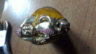 Belén Martín-Ampudia - Perrita - Colgante en oro amarillo con zafiros amarillos, rosas y leucozafiros
