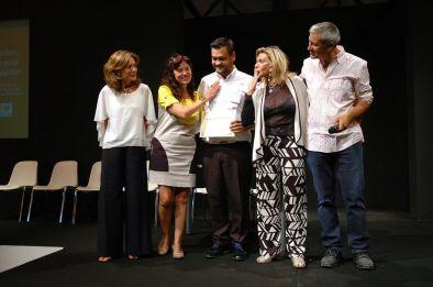 Ceremonia de entrega de premios - Permio AJA 2015 - D. Carlos Pereira Calviño con Da. Valentina Brambilla, Da. Laura Márquez, Da. Liane Katsuki y D. Rafael Alemáñ.