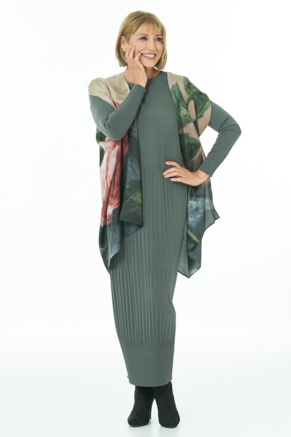Olive pleated dress with silk Kimono