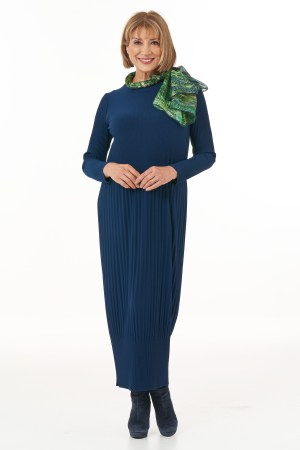 Long Sleeved Pleated Knit Dress in Navy Casual Chic Collection with Accessories