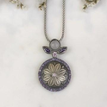 Colgante motivo floral morganita