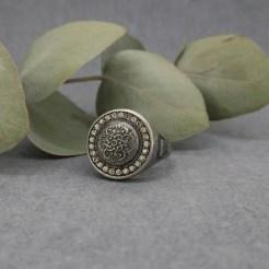 sello de plata con mandala color champagne