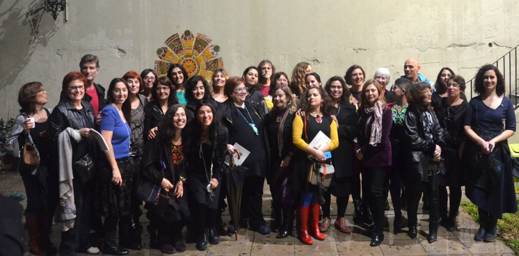 Parte del grupo expositor de Joyeros Argentinos y Joya Brava