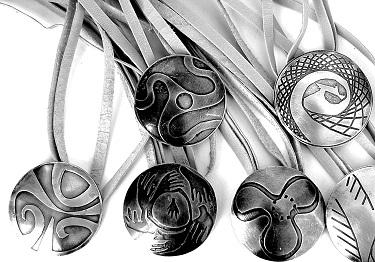 LIlia Breyter - Colgantes Pucos de plata y cobre 1
