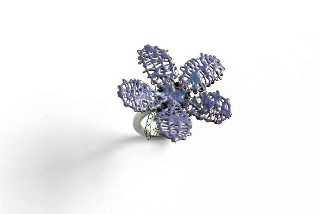 Anillo ¨Alma en flor¨ violeta