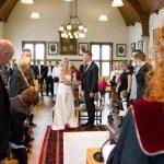 Wat trek je aan naar een bruiloft?