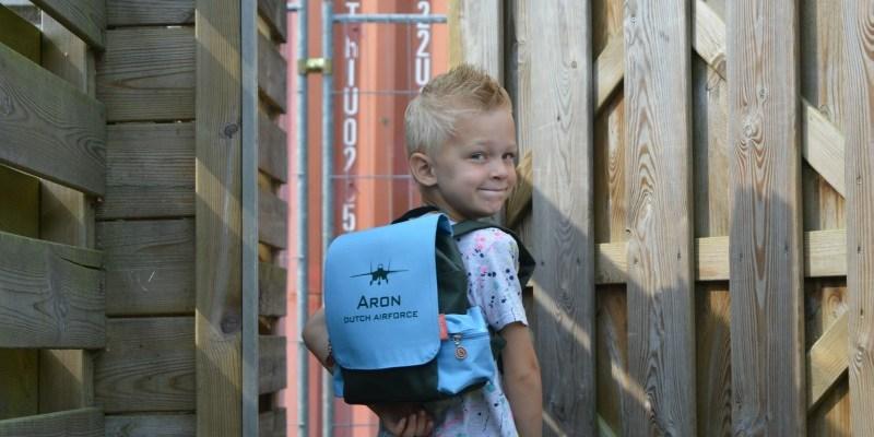 Back to school | Rugtas van Bulbby.com + WIN