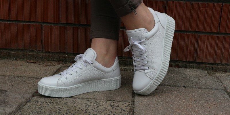 New in | Witte sneakers