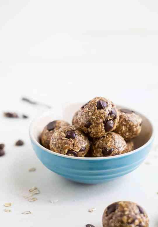 Chocolate Peanut Butter Oat Energy Balls