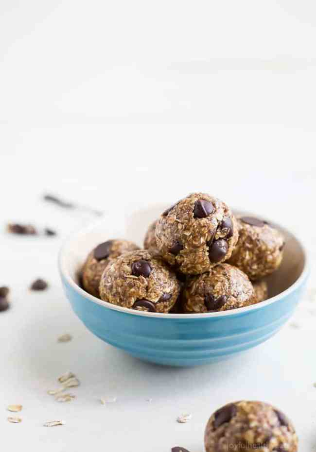 Chocolate Peanut Butter Oat Energy Balls