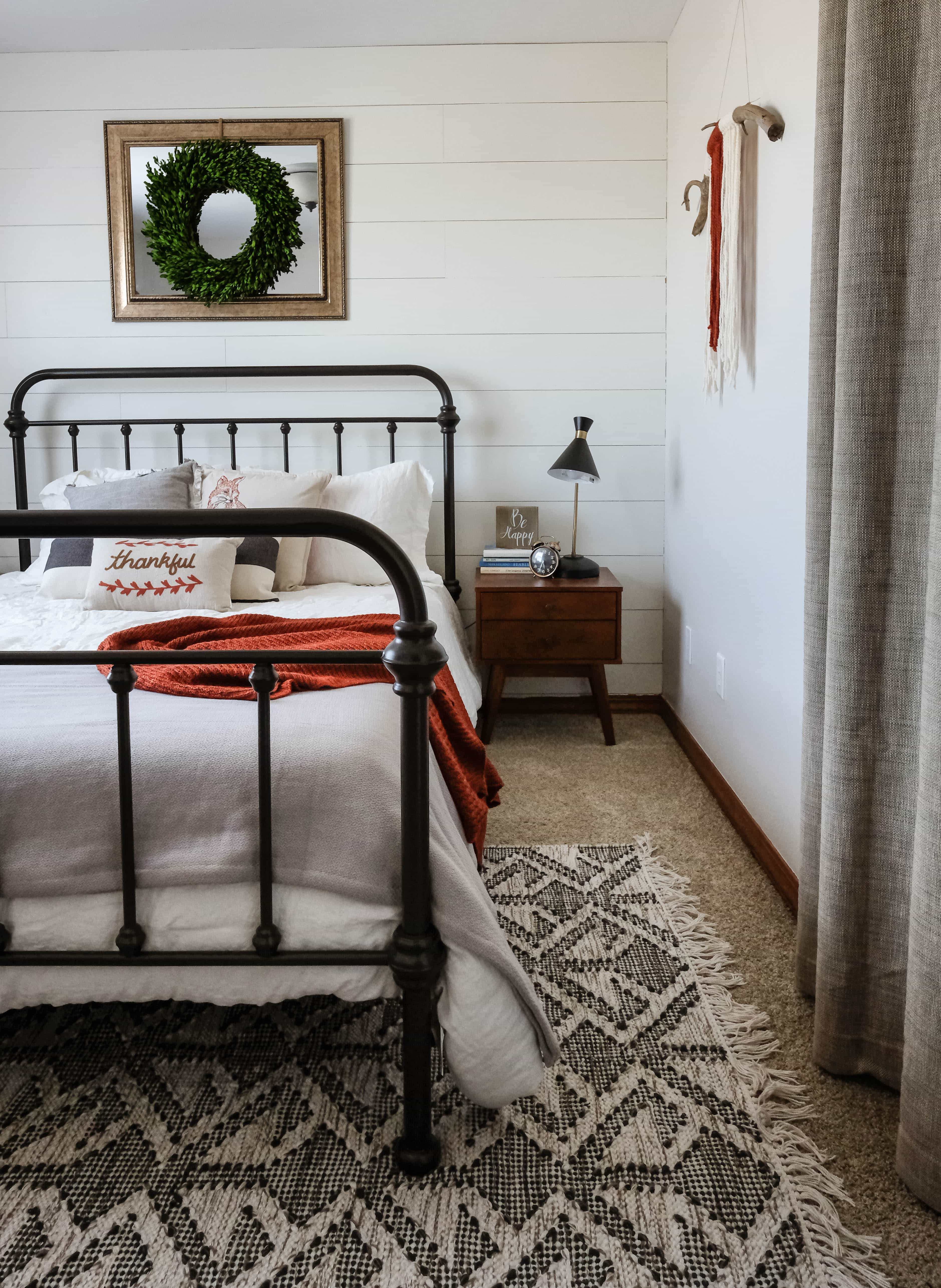 Modern Farmhouse Guest Bedroom | See how to easily blend the farmhouse look with modern finishes to create a space your guests will love!