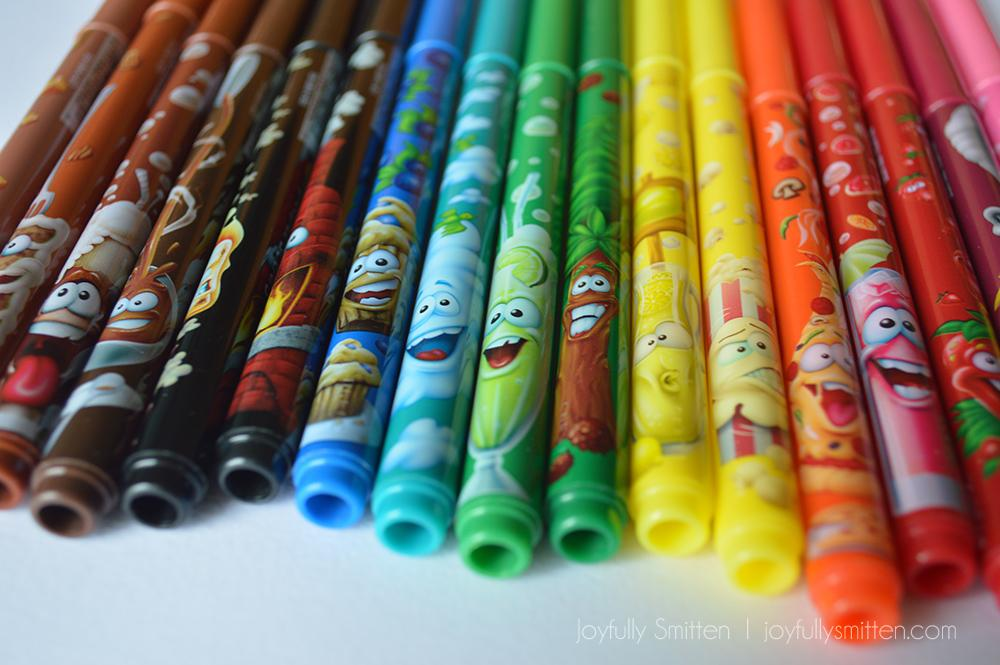 Doodle Scents with Crayola - Make Learning and Back to School even more fun with the fun new products that Crayola offers that are perfect for the school year!