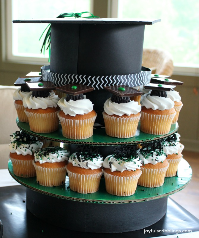 #graduation cupcake stand